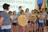 BILD: Vollversammlung, Gratulation der 1a Klasse an KV Ilona Kogler